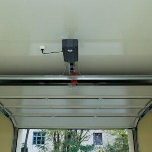 Forget Backdoors, Hackers Can Now Infiltrate Garage Doors